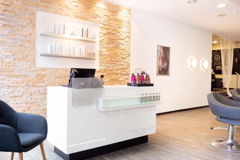 Empfang und Kasse im Salon von Inga Neufang Hair & Stylingneufang-hair-styling-salon_12_k